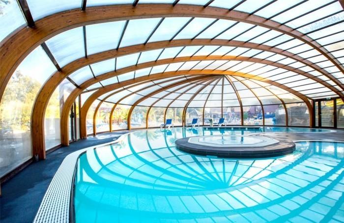 schwimmbadüberdachung-eine-große-schwimmbadüberdachung