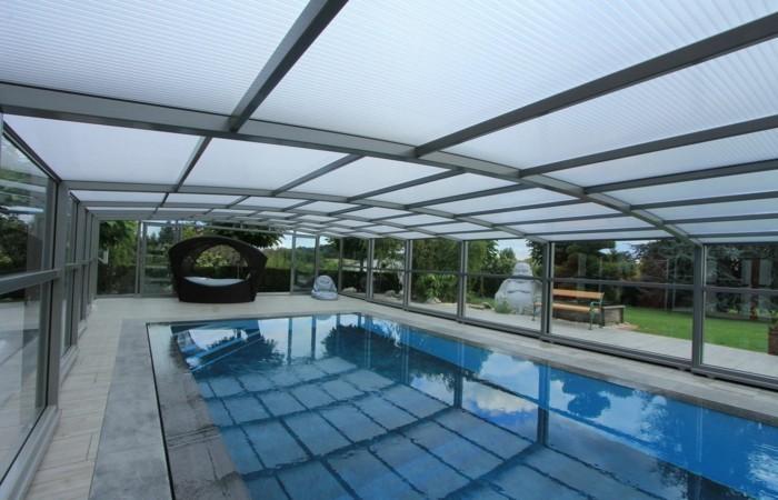 schwimmbadüberdachung-eine-mittelhohe-überdachung