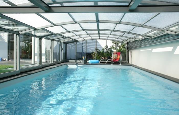 schwimmbadüberdachung-gute-ideen-für-mittelhohe-poolüberdachungen
