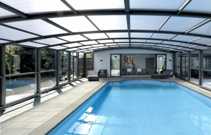 schwimmbadüberdachung-mit-einer-schwimmbadüberdachung-das-poolwasser-schützen