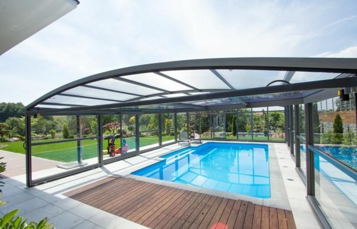schwimmbadüberdachung-mit-einer-schwimmbadüberdachung-ihren-pool-verschönern