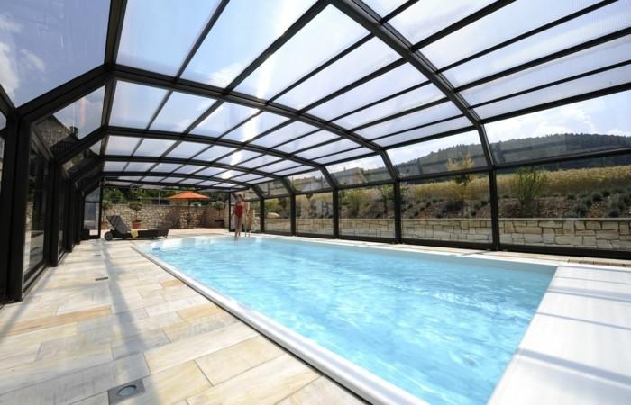 schwimmbadüberdachung-tolle-idee-für-kompakte-poolüberdachungen