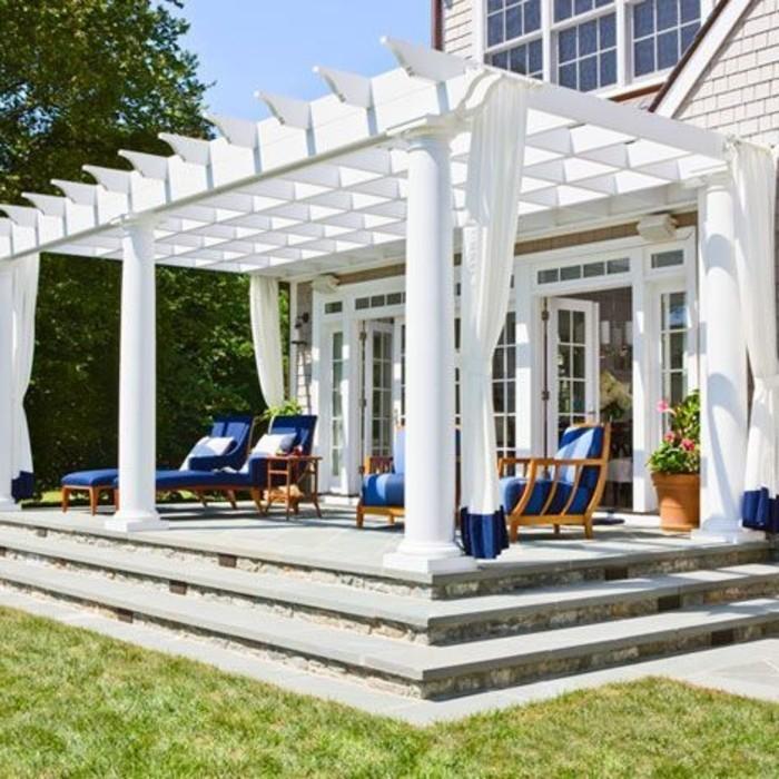 veranda-garten-bereich-mit-pergola-weiß