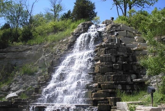 Wasserfall im garten mehr als 70 ideen - Ein kleiner garten ...