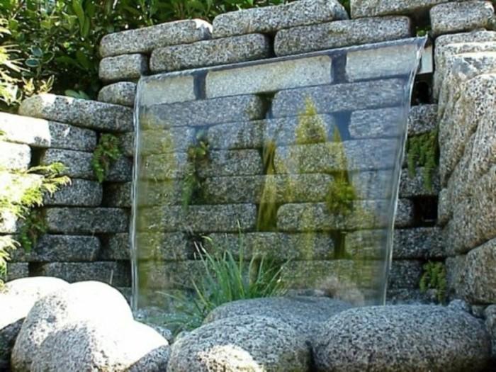wasserfall-im-garten-einen-schön-aussehenden-garten-wasserfall-bauen