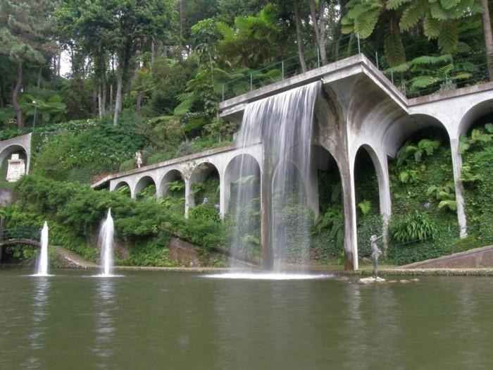 Wasserfall im garten mehr als 70 ideen for Idee wasser im garten