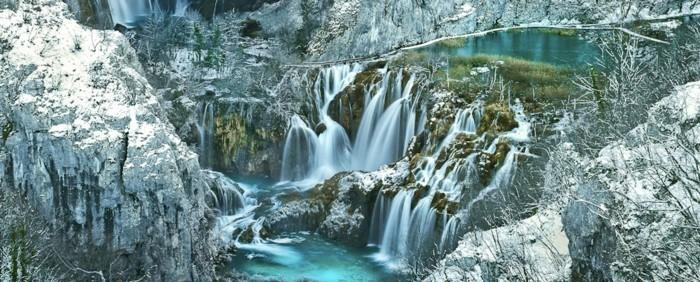 wasserfall-im-garten-wunderschöne-wasserfälle
