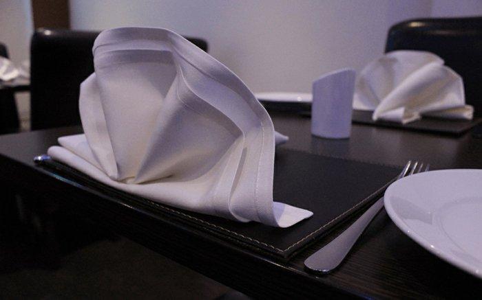 Basteln-mit-Servietten-in-weißer-Farbe