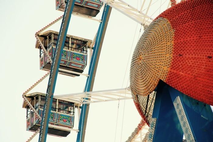 Bilder-Oktoberfest-bunter-Riesenrad