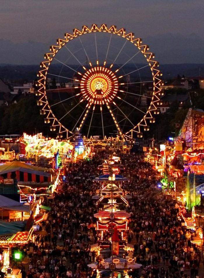 Bilder-vom-Oktoberfest-der-Riesenrad