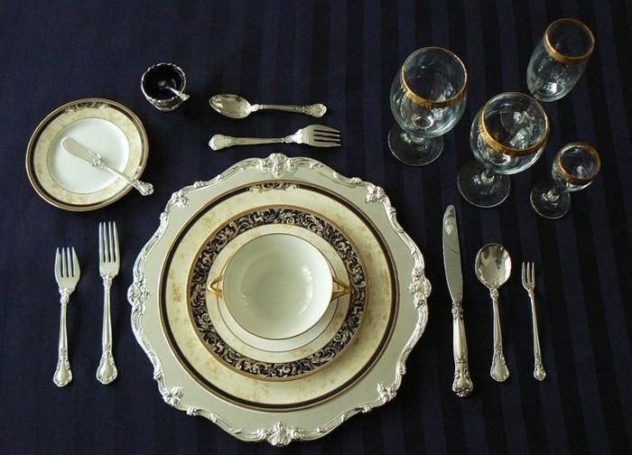 Den-Tisch-decken-ganz-elegant