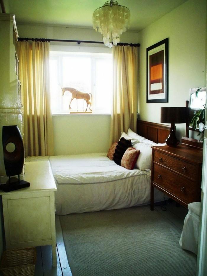 Einrichtungsideen-kleine-Räume-eine-Pferdfigur