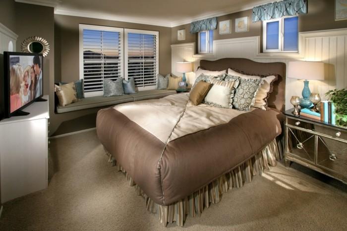 Einrichtungsideen-kleine-Räume-großes-Bett
