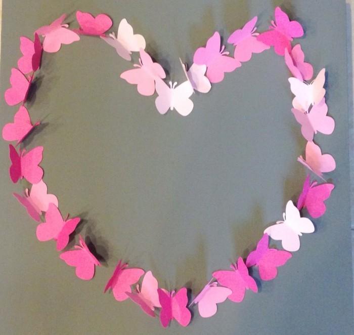 Faltanleitung-Schmetterling-als-Herz-ordnen