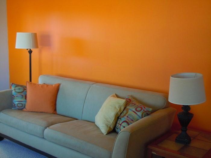 Farben-für-Wohnzimmer-in-Orange-Eine-verblüffende-Entscheidung