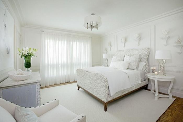 Farben-fürs-Schlafzimmer-Weiß-Ein-auffälliges-Interieur (Copy)