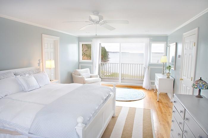 Farben-fürs-Schlafzimmer-Weiß-Eine-außergewöhnliche-Dekoration (Copy)