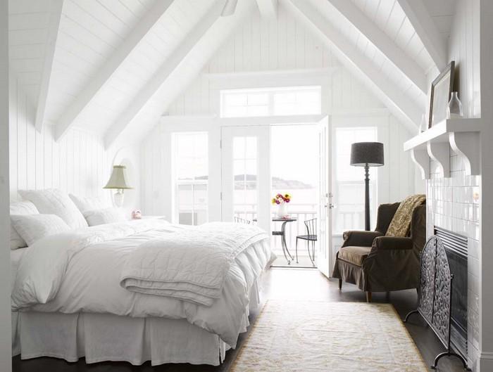 Farben-fürs-Schlafzimmer-Weiß-Eine-auffällige-Deko (Copy)