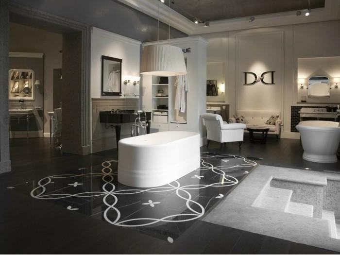 Fliesen-Italien-ein-enormes-Badezimmer