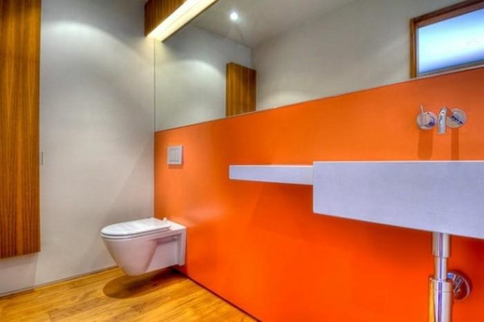 Fliesen-verkleiden-in-oranger-Farbe