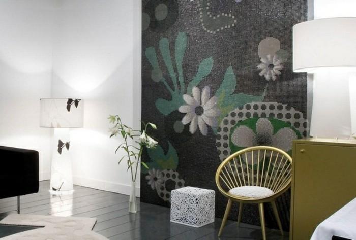 Fliesen-verkleiden-mit-Blumen-Mosaik