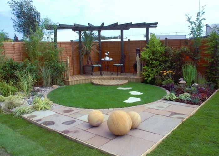 Garten-pergola-rasenfläche-schöne-gartengestaltung