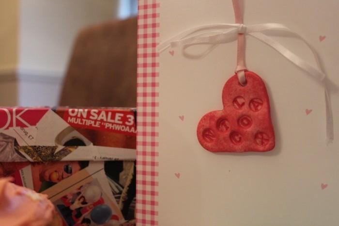 Geschenk-selber-basteln-Karte-mit-Herz