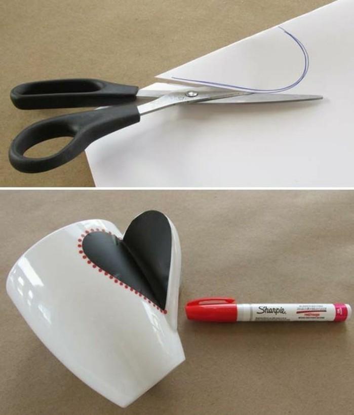 Geschenke-selbst-gemacht-ein-Herz-auf-Tasse