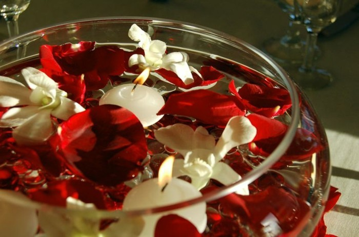 Gläser-für-Kerzen-eine-Schale