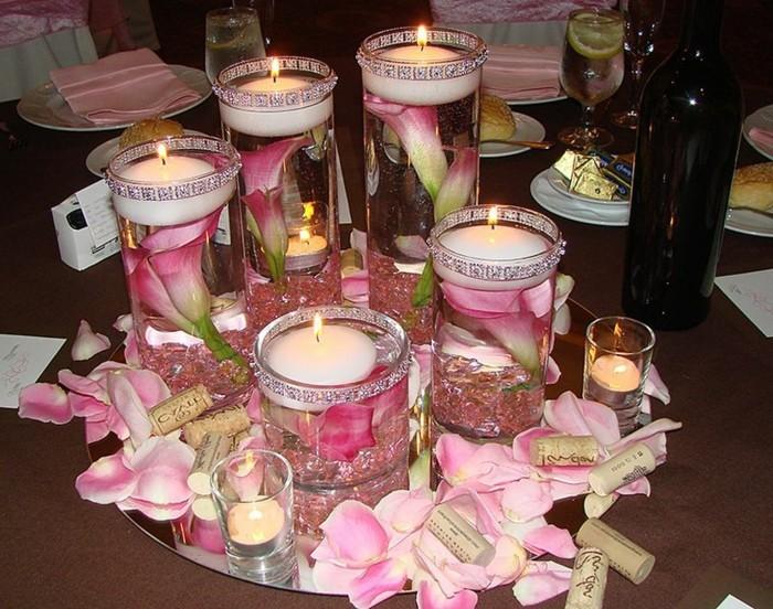 Gläser-für-Kerzen-mit-Blüten-rosa