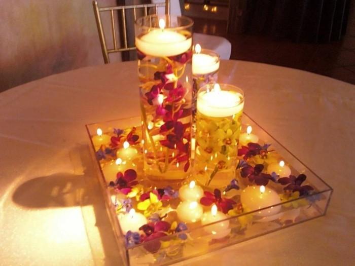 Gläser-für-Kerzen-mit-Blüten-rot