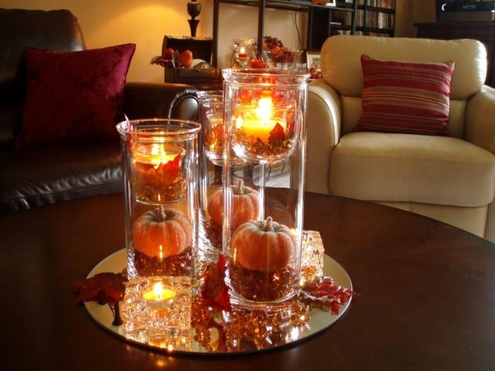 Gläser-für-Kerzen-mit-kleinen-Kürbisen