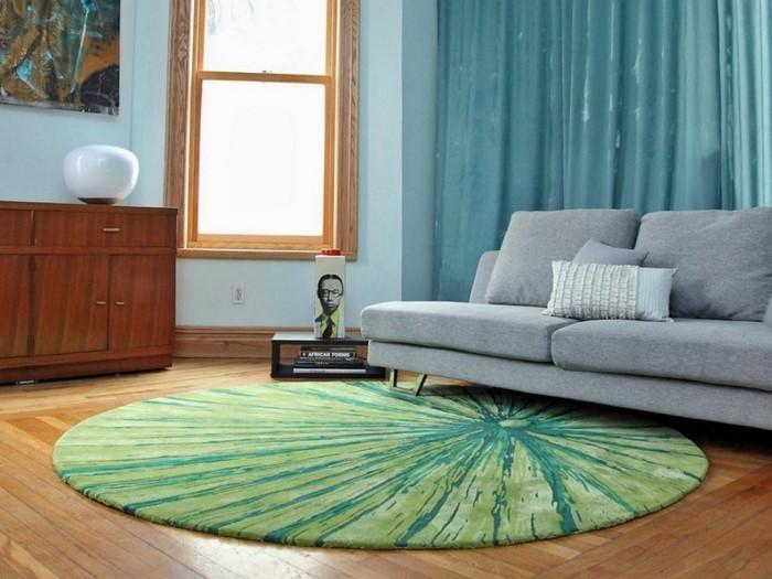 grau grünes wohnzimmer:Grünes Wohnzimmer Design: Modernes Wohnzimmer in Weiß
