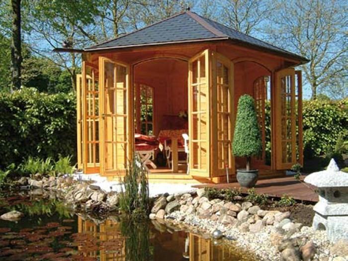 Holz-Pavillon-am