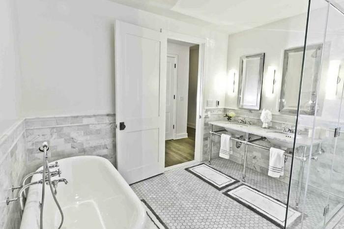 Italienische-Badfliesen-klassische-weiße-Farbe