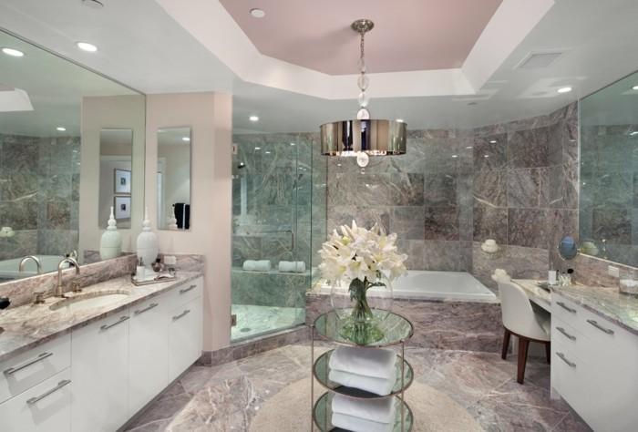 Italienische Fliesen Badezimmer : große italienische Fliesen im Badezimmer