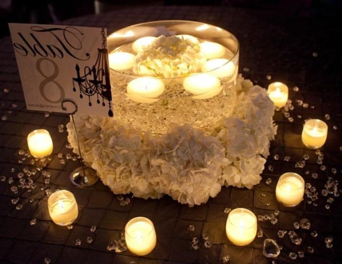 Kerzen-Tischdeko-für-die-Hochzeit