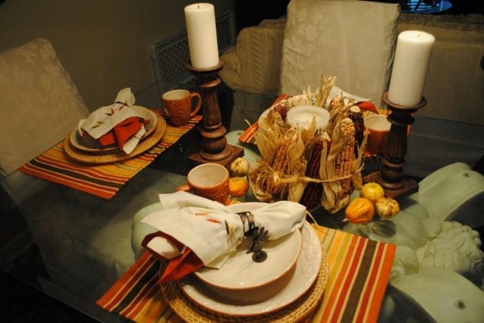 Kerzen-Tischdeko-in-holzernen-Ständern
