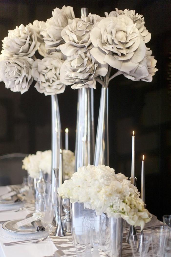 Kerzen-Tischdeko-mit-viel-Silber