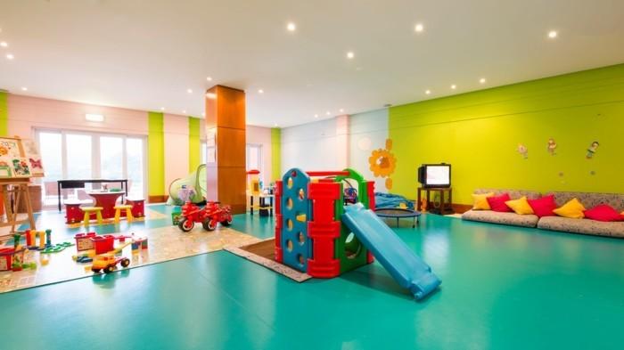 Kinderzimmer-Ideen-mit-großem-Spielraum