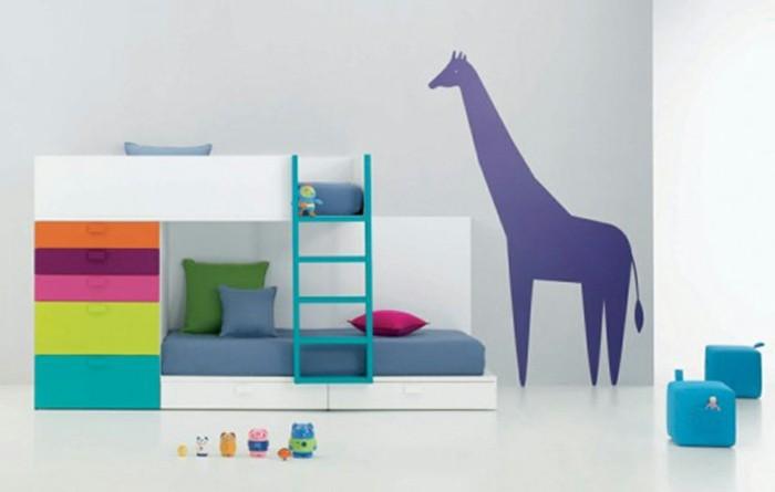 Kinderzimmer-Ideen-mit-lila-Tier