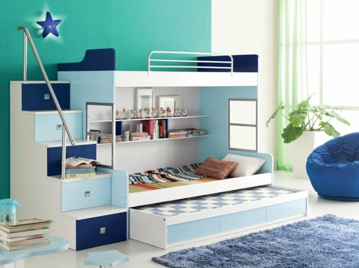 kinderzimmer dachboden jungen ritterturm blau wei shared1. Black Bedroom Furniture Sets. Home Design Ideas