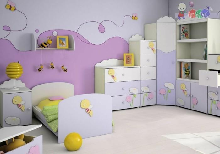 Kinderzimmer-Mädchen-in-lila-Farbe