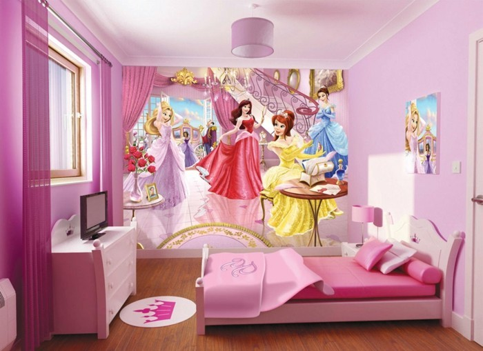 Kinderzimmer-Mädchen-mit-einer-Fototapette
