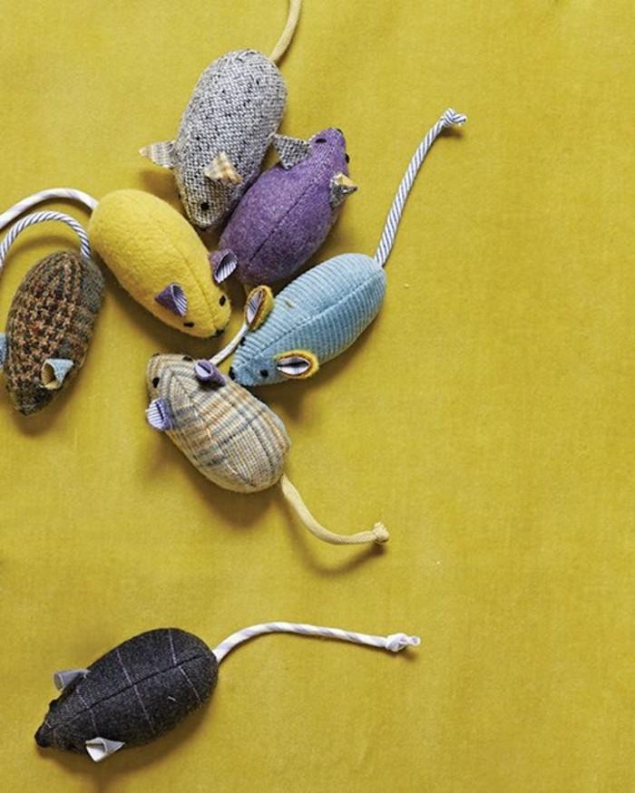 Mäuse-basteln-eine-bunte-Menge