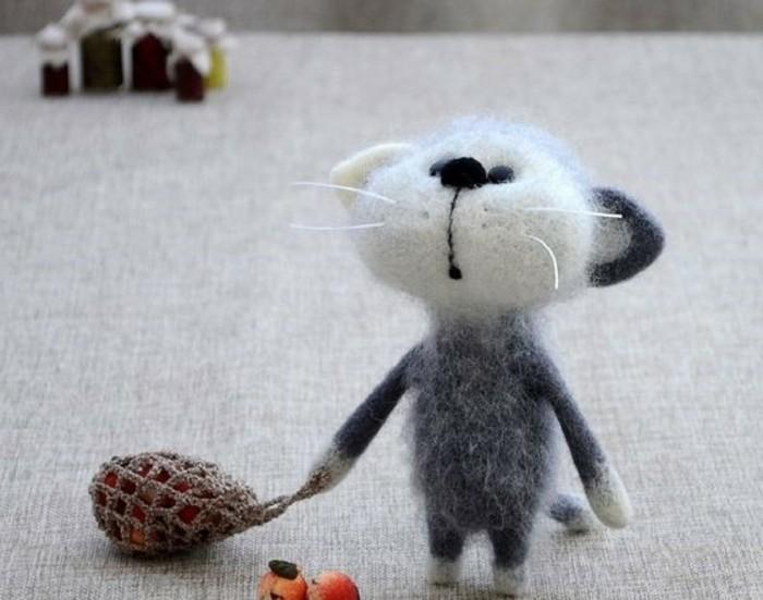 Maus-basteln-ein-neugieriges-Maus