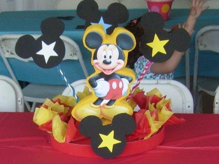 Mickey-Mouse-Ohren-als-Dekoration
