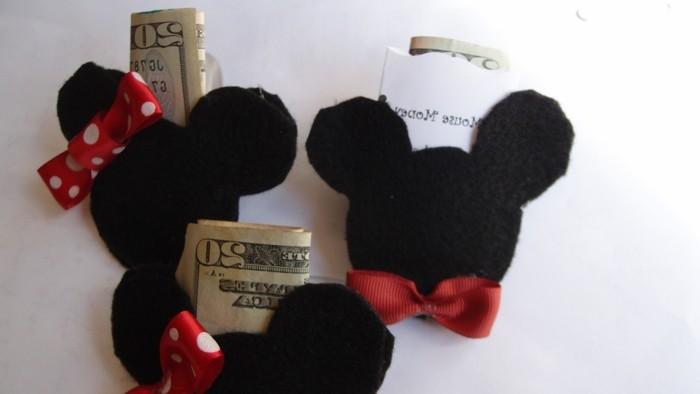 Mickey-Mouse-Ohren-für-Geld