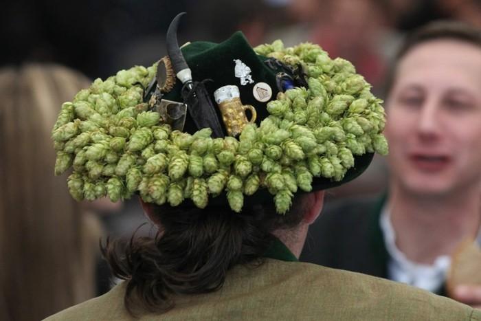 Oktoberfest-Bilder-eine-lustige-Hut