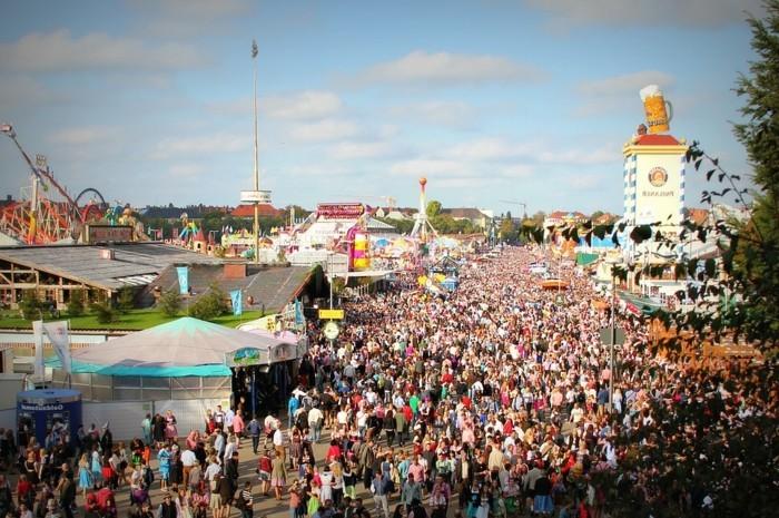 Oktoberfest-Bilder-so-viele-Leute